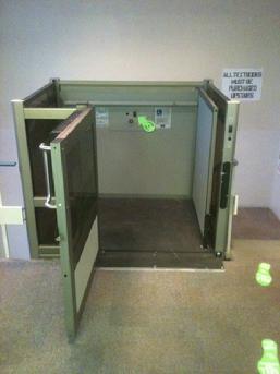 plattformlift hauslift treppenlift rollstuhl lift hebeb hne aufzug behinderten ebay. Black Bedroom Furniture Sets. Home Design Ideas